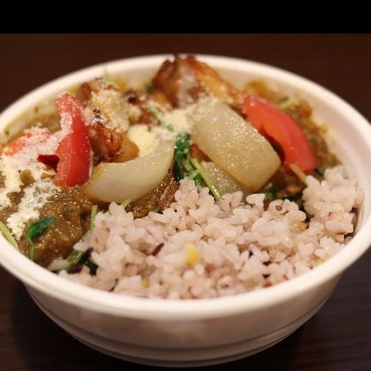 お野菜ゴロゴロお野菜カレー丼 780円 、 お電話で事前に注文していただくと スムーズにお渡しできます