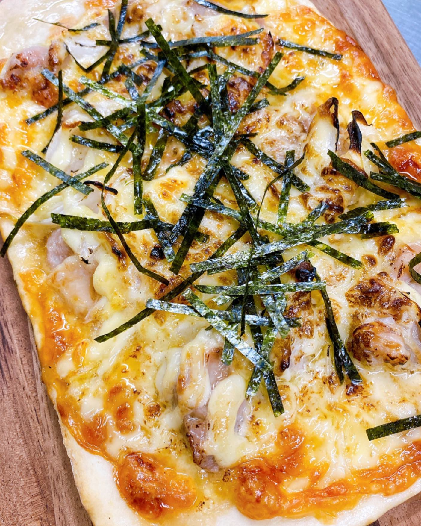 ピザ畑テイクアウトピザ 照り焼きチキンマヨチーズ ¥800税込ボリューム満点 おやつにピザなんてどうですか?