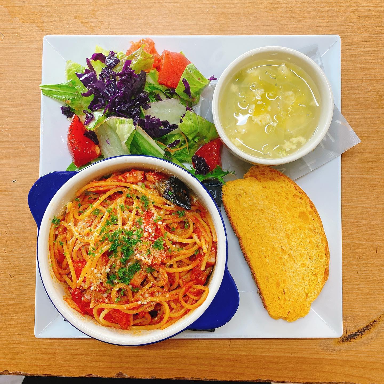 今日のランチプレート(//∇//) トマトと茄子のパスタ