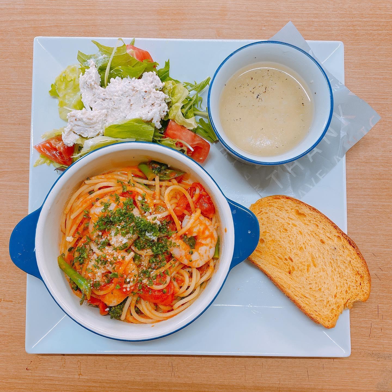 海老とブロッコリーの トマトソースパスタ